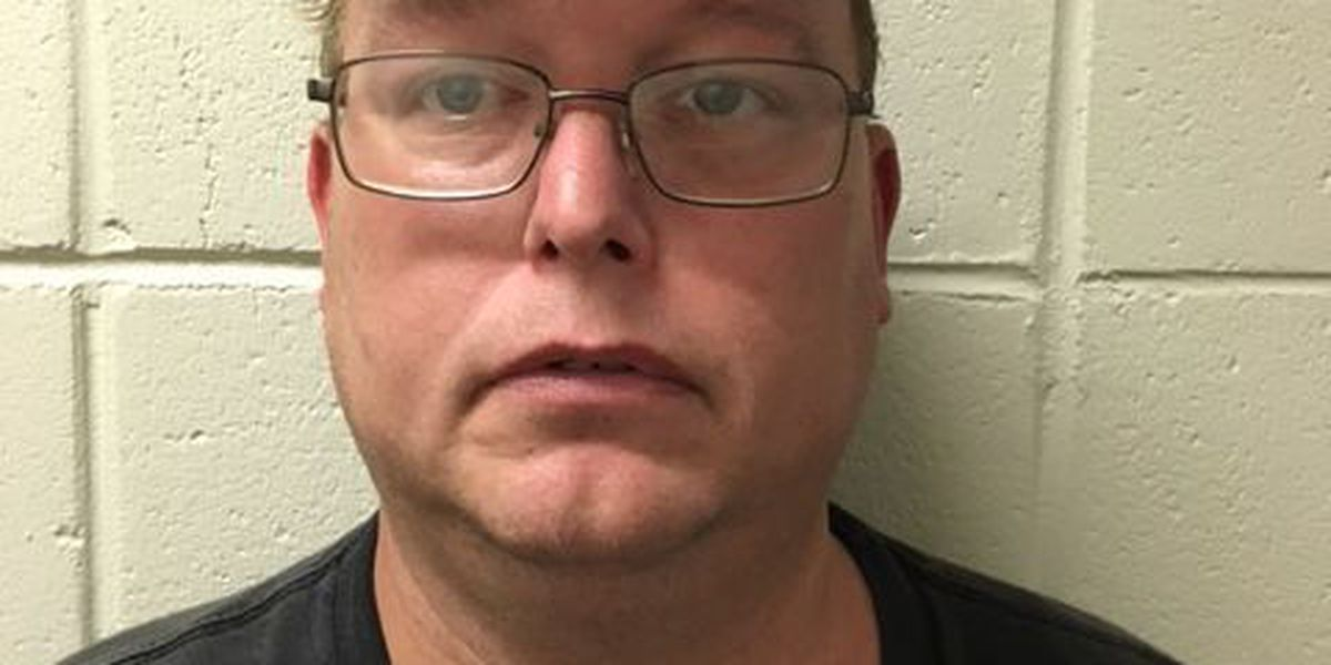Two arrested for selling pills in Jasper County