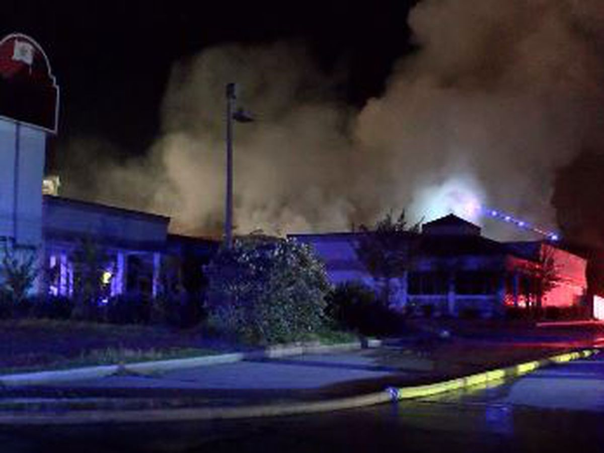 Abandoned hotel catches fire overnight in Hattiesburg