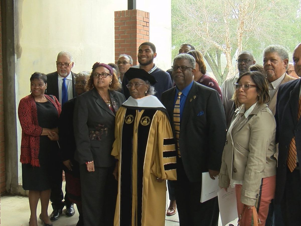Civil rights activist Ellie Dahmer receives honorary degree from USM