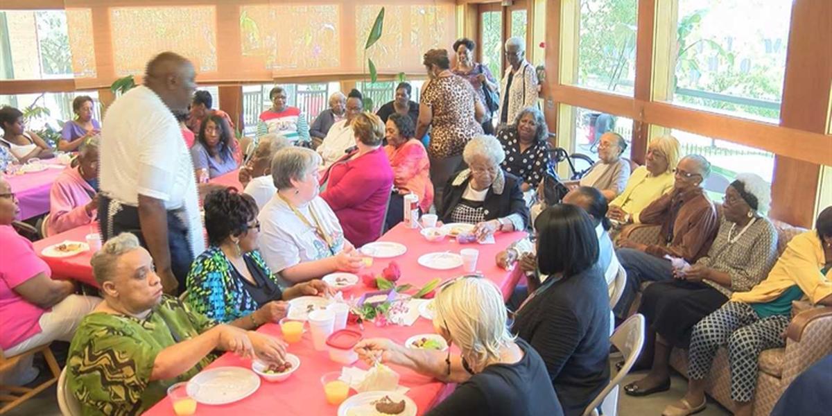 Mothers served breakfast at Laurel appreciation breakfast