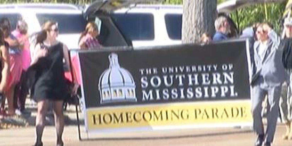 Thousands attend USM homecoming parade