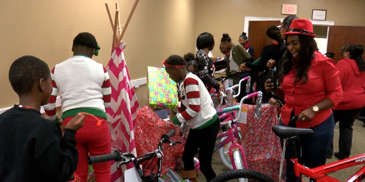 HPD hosts 4th annual Hearts of Hope Christmas party