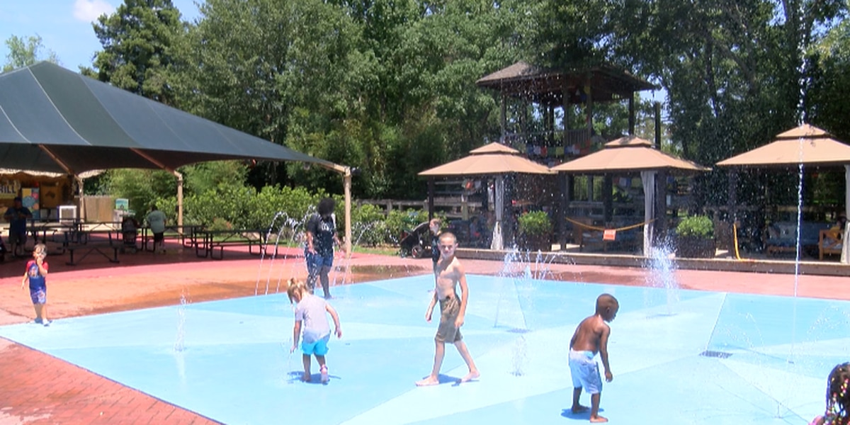 Families beat the heat at Hattiesburg Zoo's Splash Pad