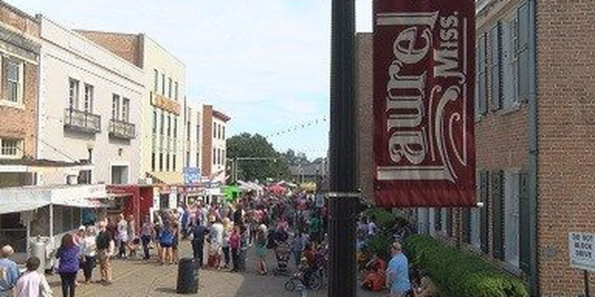Annual Loblolly Fest brings thousands to downtown Laurel