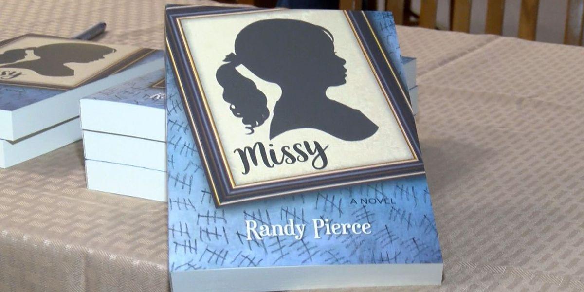 Mississippi author holds book signing in Waynesboro