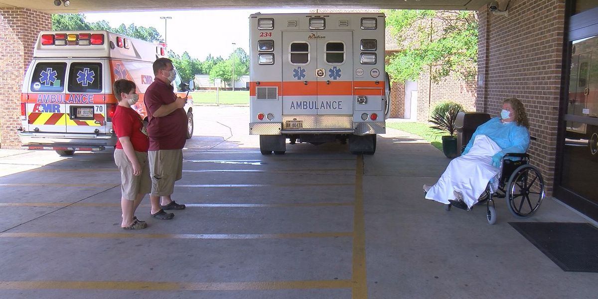 South Mississippi COVID-19 survivor celebrates wedding anniversary in front of hospital