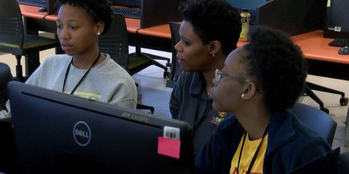 "USM hosts ""Hackathon"" to teach African-American girls coding"