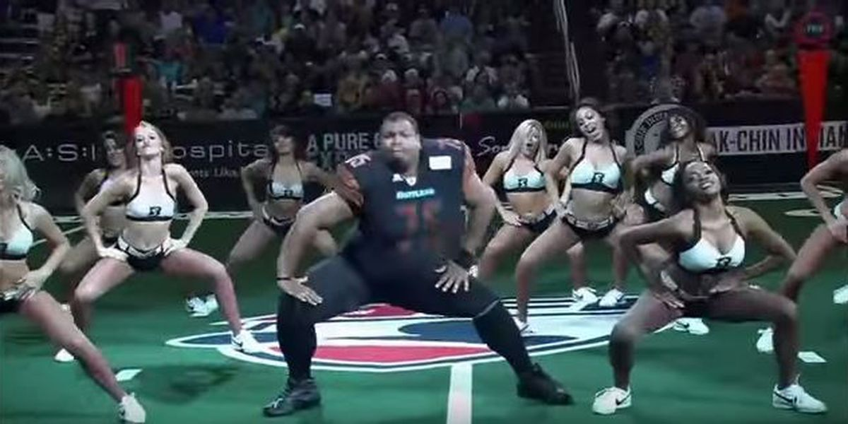 VIDEO: 32-year-old-man nailed it with cheerleaders at halftime