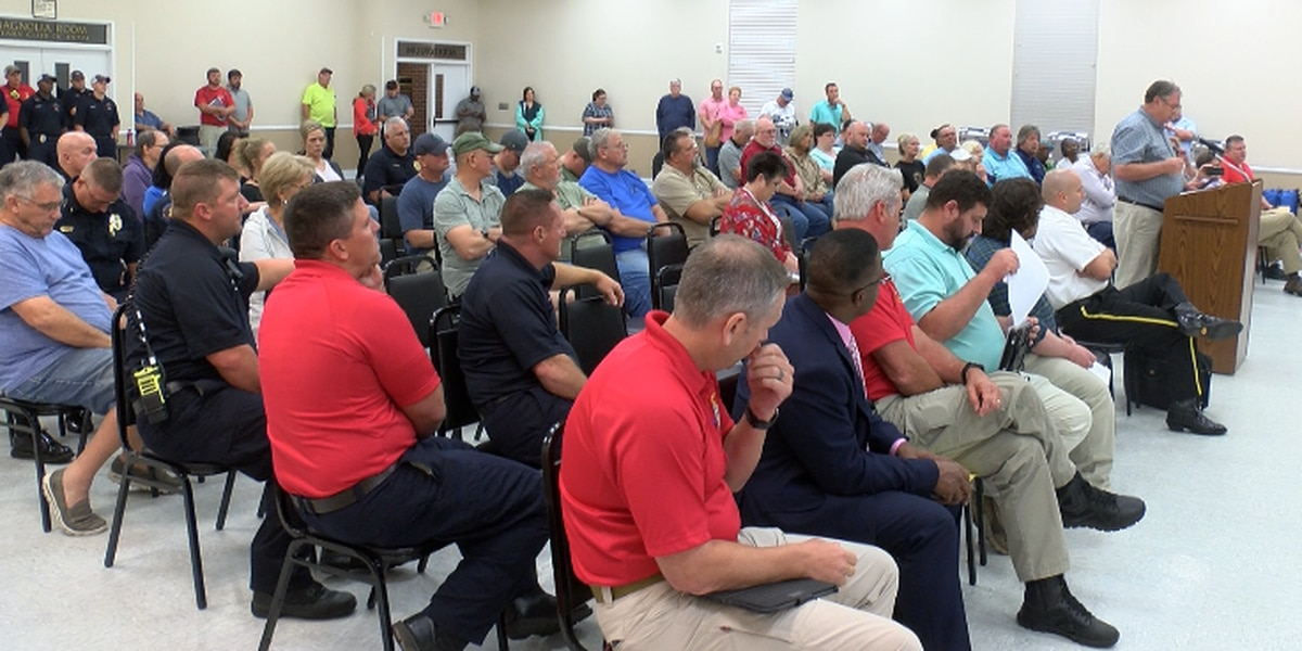 Petal officials hold public meeting to discuss budget concerns