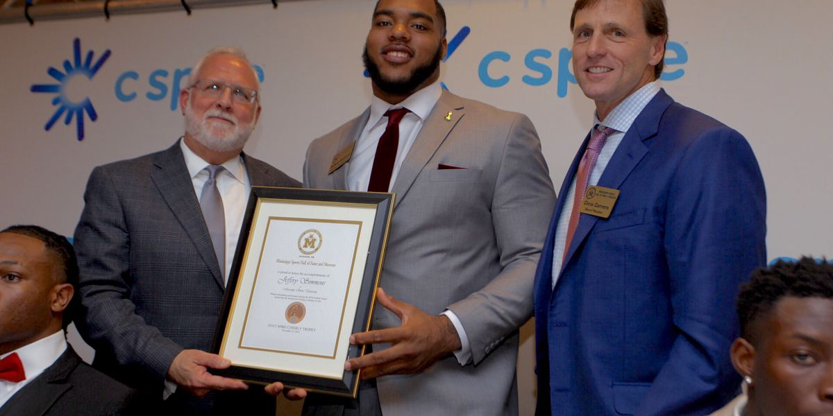 Mississippi State's Simmons takes home 2018 C Spire Conerly Trophy