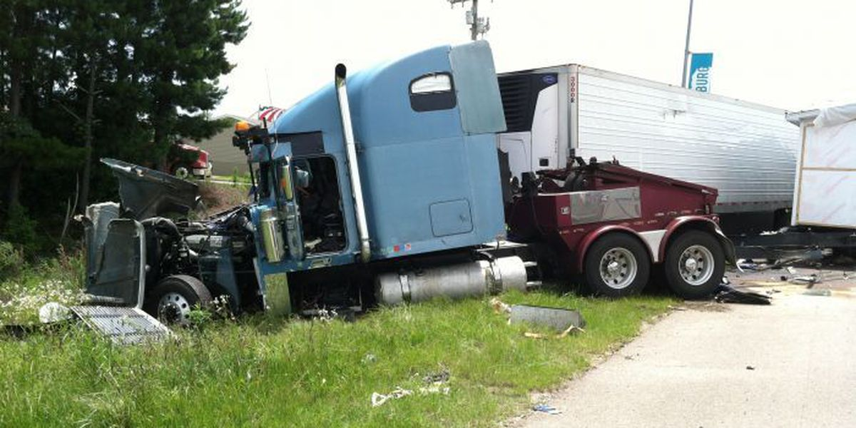 UPDATE: Hwy 49 northbound lane opens after 18-wheeler collision