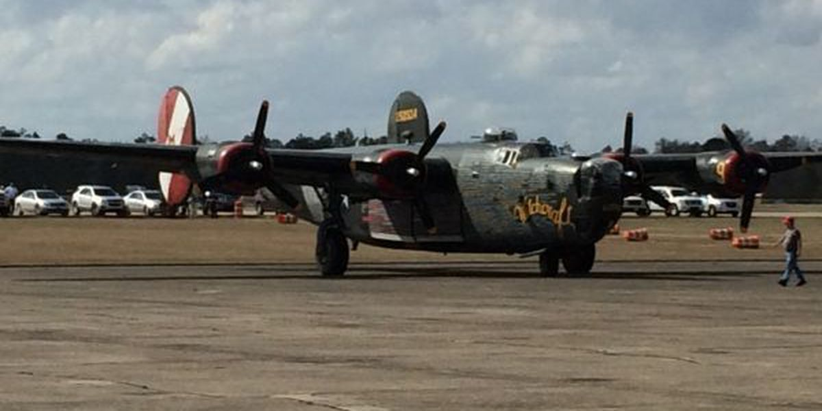 Rare WWII aircraft fly into Hattiesburg