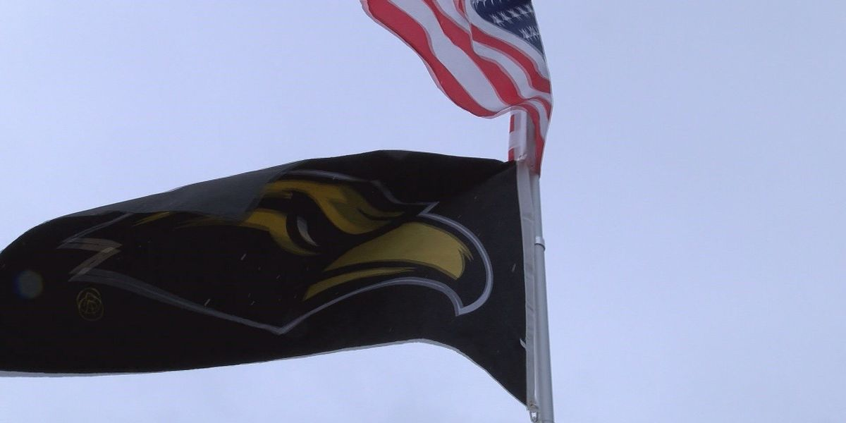 Southern Miss fans support through rain delay
