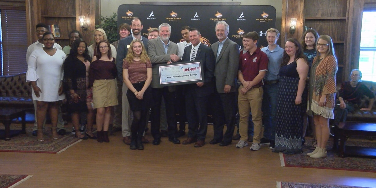 "120 PRCC students get ""Round Up for Education"" scholarships"