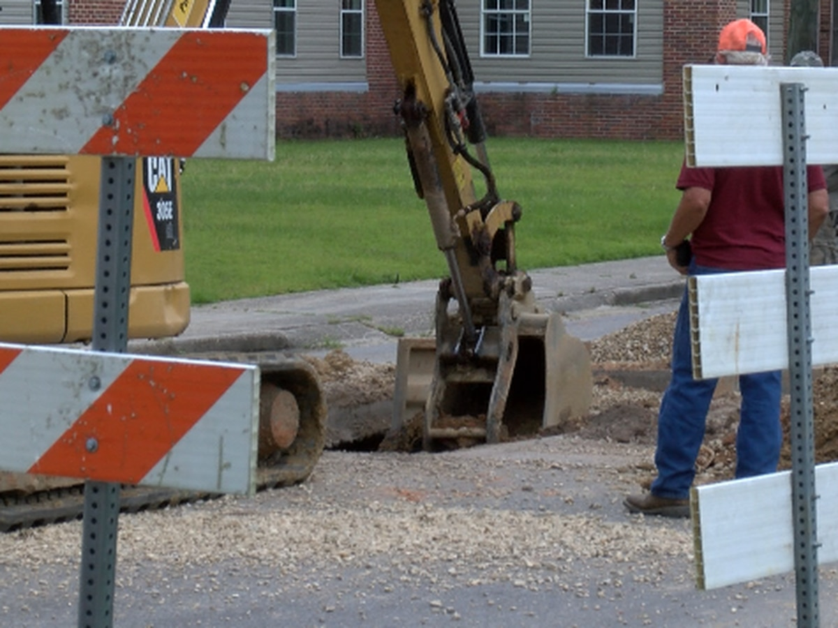 Hattiesburg residents voice concerns after sinkhole found in Ward 2 street