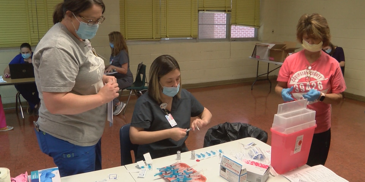 Covington Co. school employees get COVID vaccines from CCH