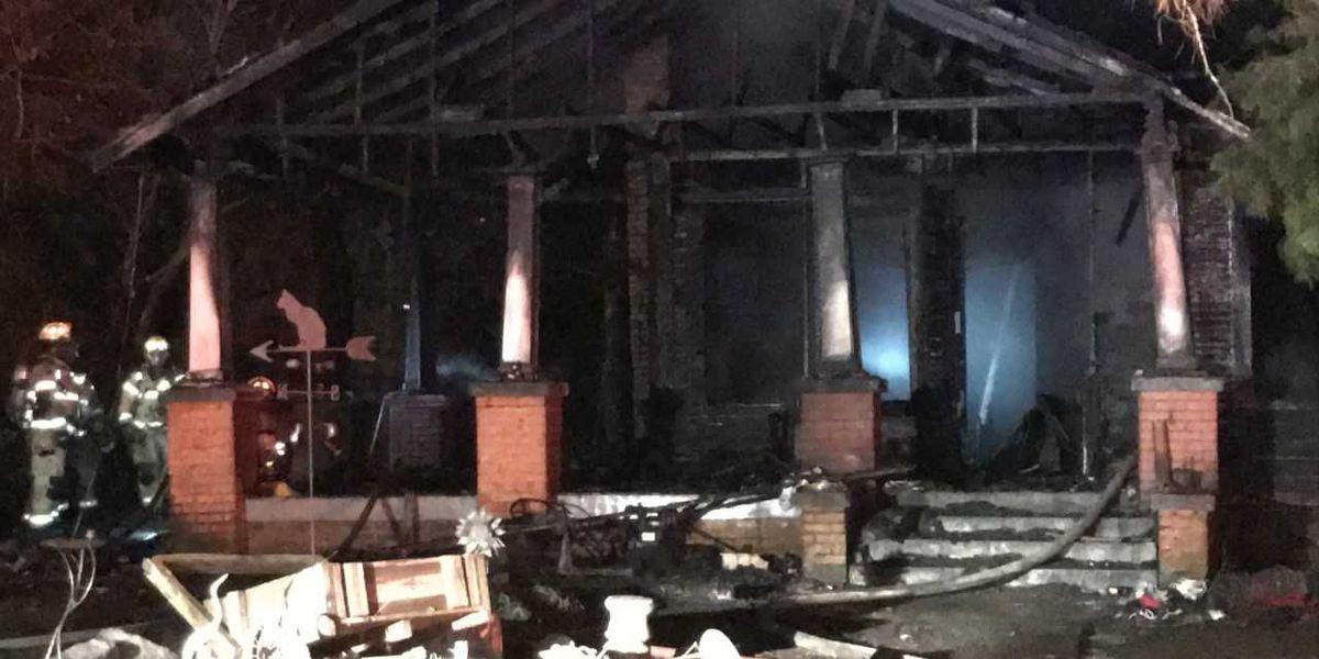 Four people escape Hattiesburg house fire