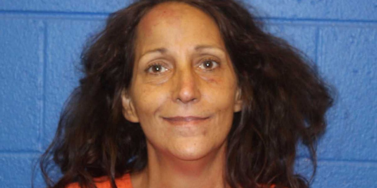 One jailed, one injured in Lamar County stabbing