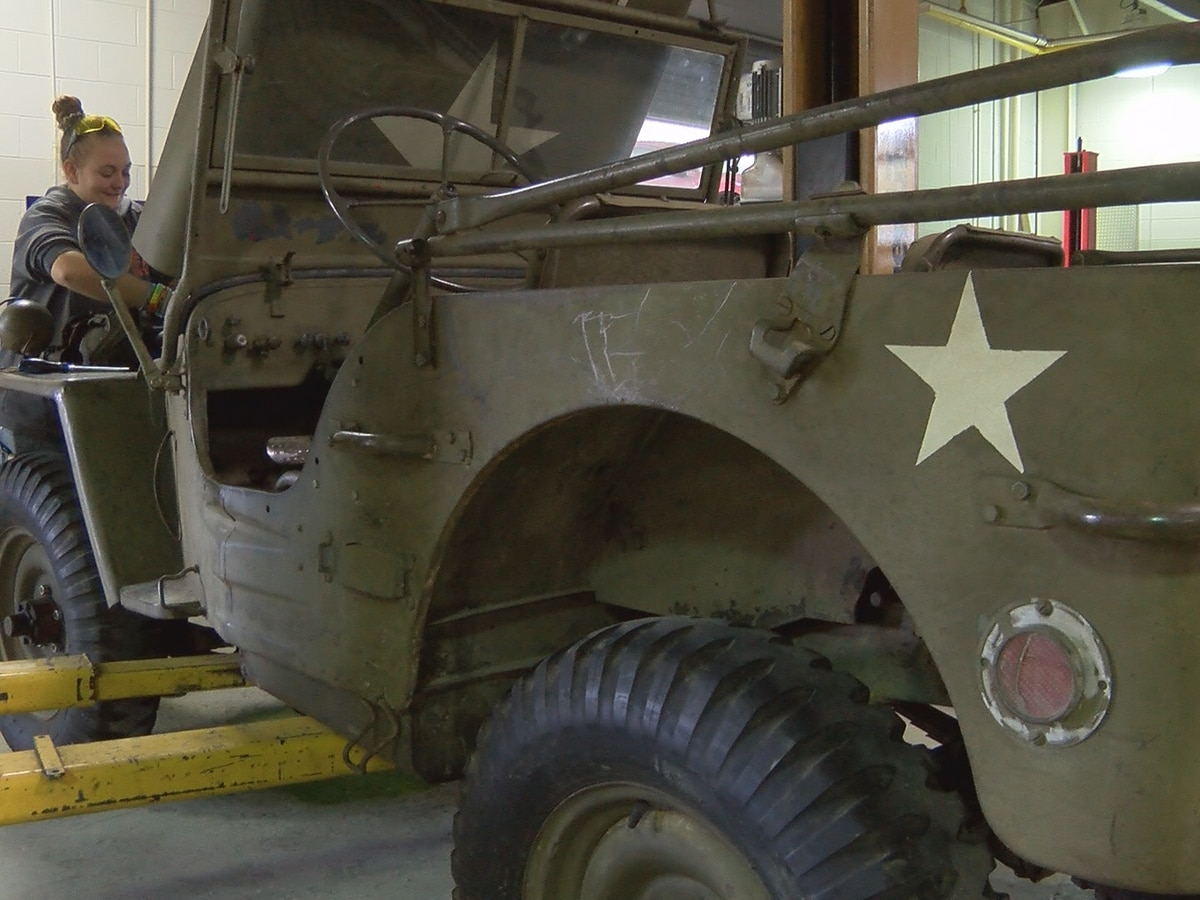 New partnership lets Jones auto tech students repair Shelby museum vehicles