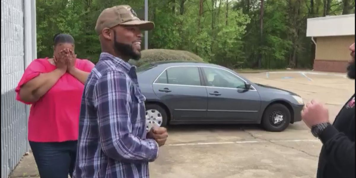Good Samaritans donate car to homeless Mississippi man