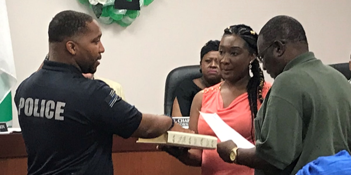 Lumberton swears in Police Chief