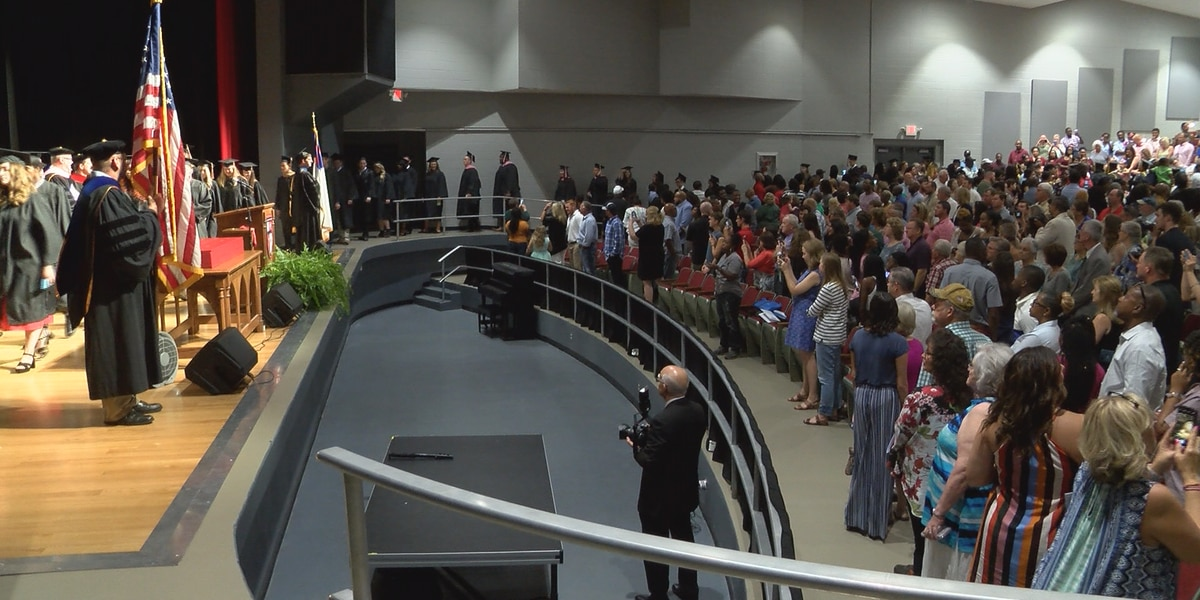 William Carey hosts August Commencement ceremonies on Hattiesburg campus