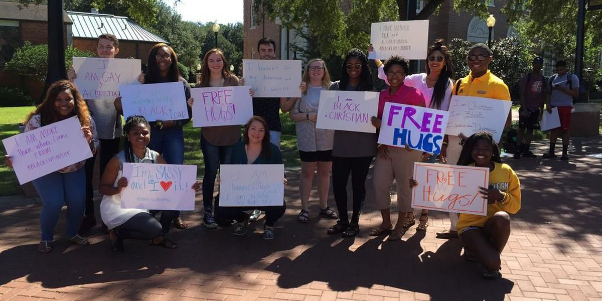 USM students give out 'free hugs' to show acceptance