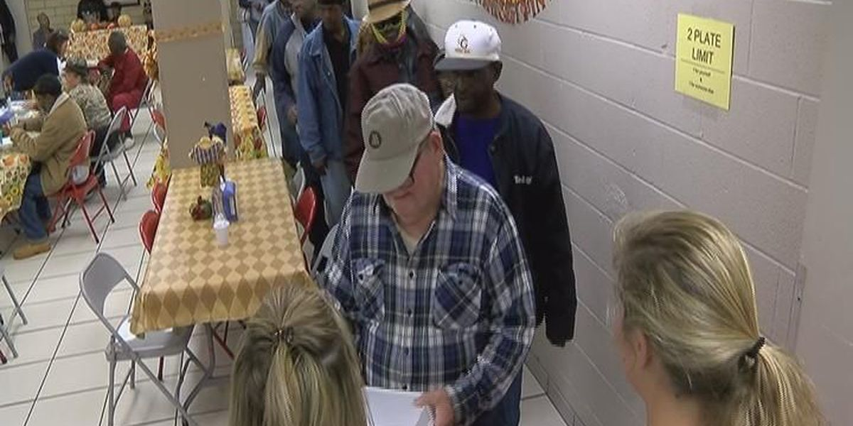 Christian Services hosts 28th annual Thanksgiving dinner