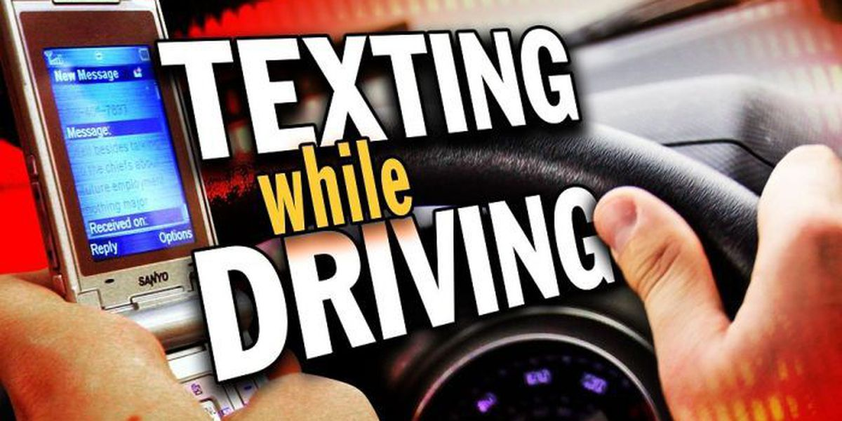 Gov. Bryant signs bill banning texting while driving