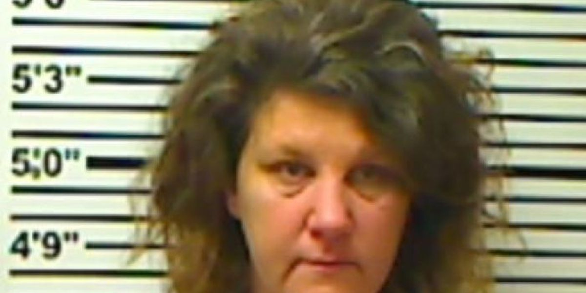 Soso woman charged with embezzlement of a Laurel business