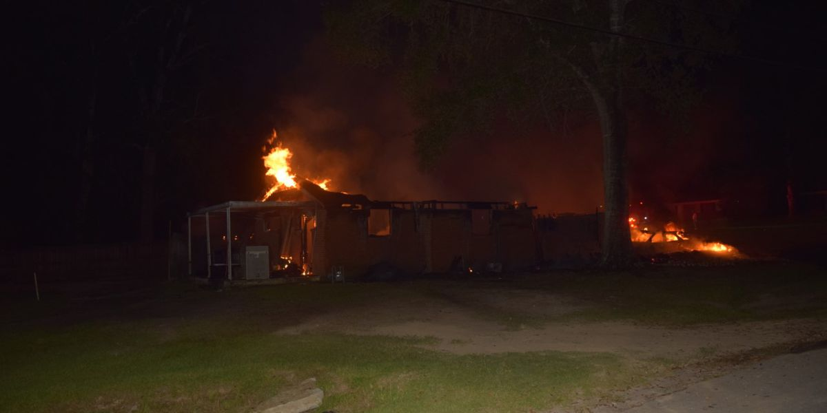 Family loses home in overnight fire in Jones County