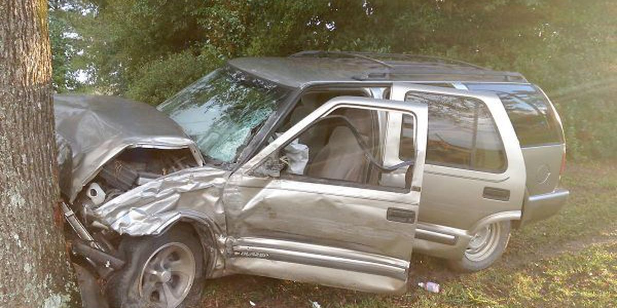 Six escape injury in a two-vehicle crash in Jones County