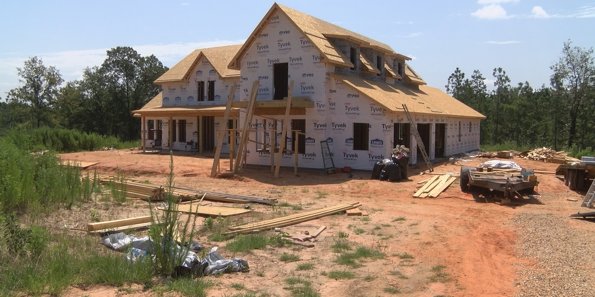 Halfway point reached in home rebuild for Forrest County disabled veteran