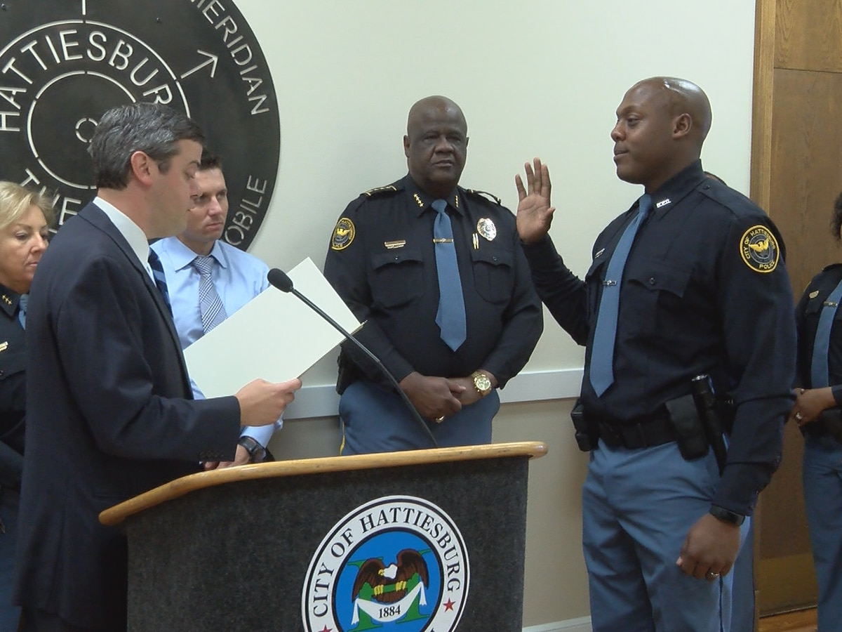 New HPD officer sworn in at City Hall