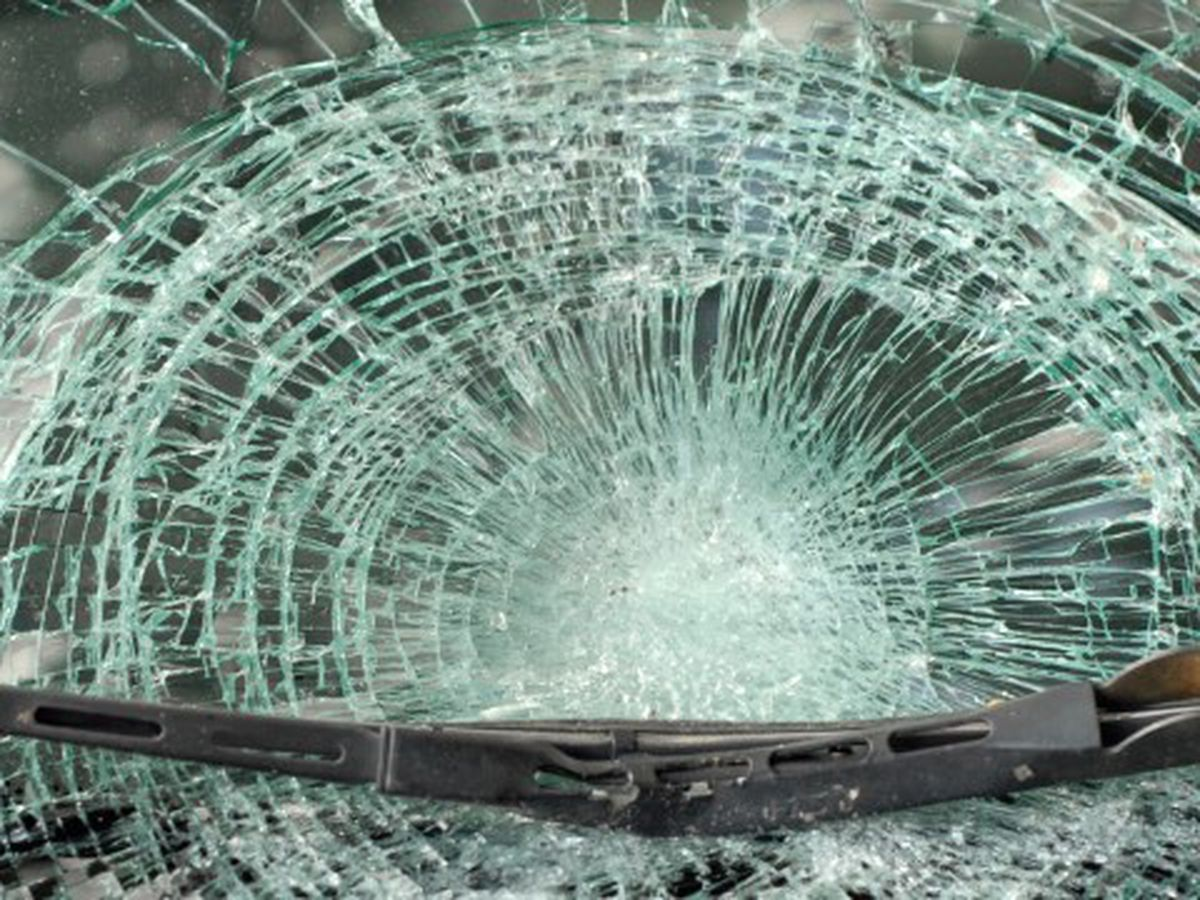 Bus carrying children involved in crash in Lamar Co.