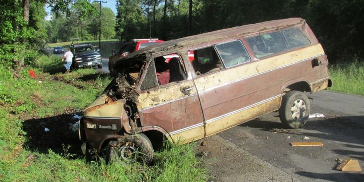 One-vehicle wreck results in multiple injuries