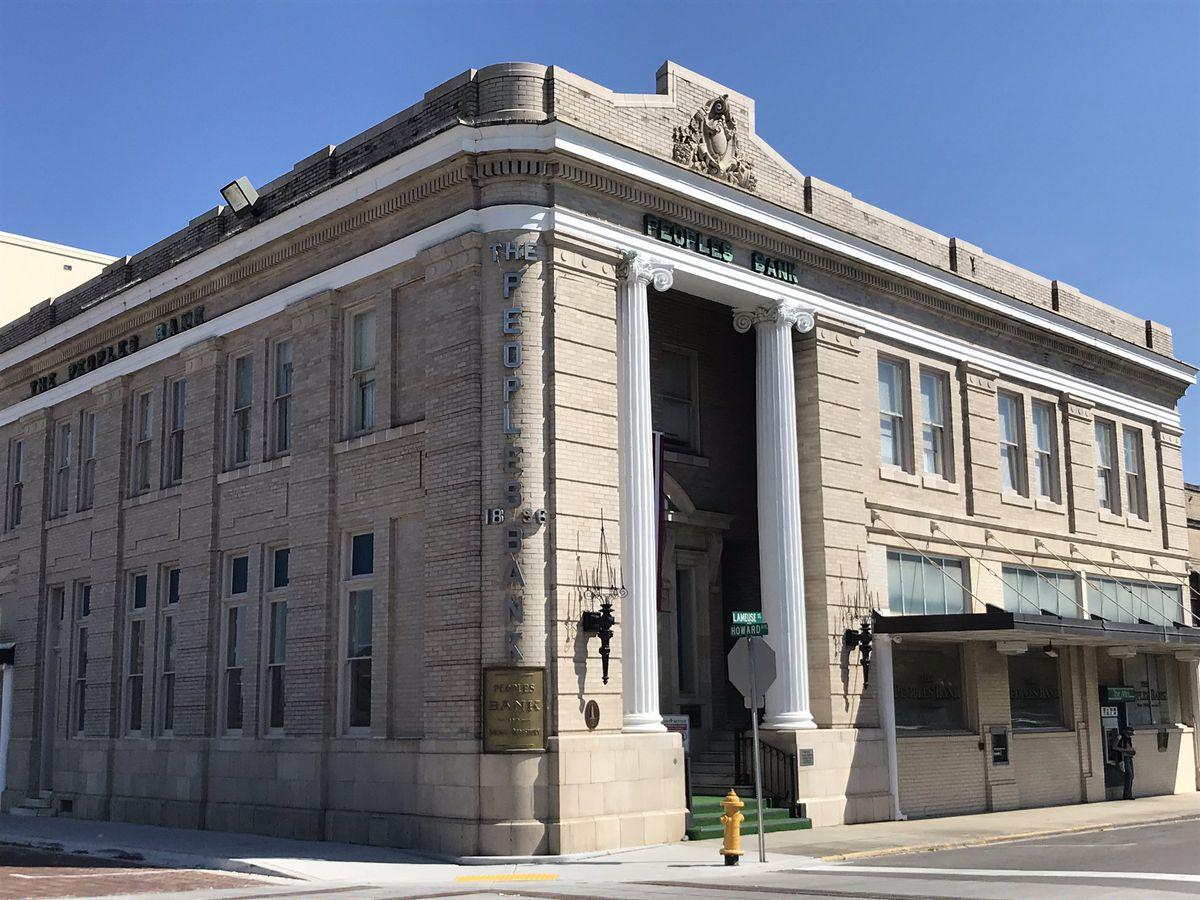 Prosecutors: Michael Avenatti defrauded Biloxi bank using fake tax returns