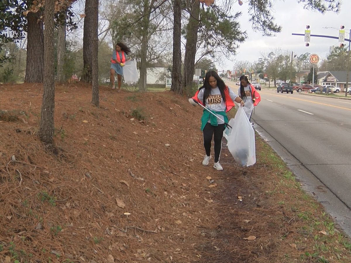 "USM's ""Big Event"" gets big turnout for volunteer projects"