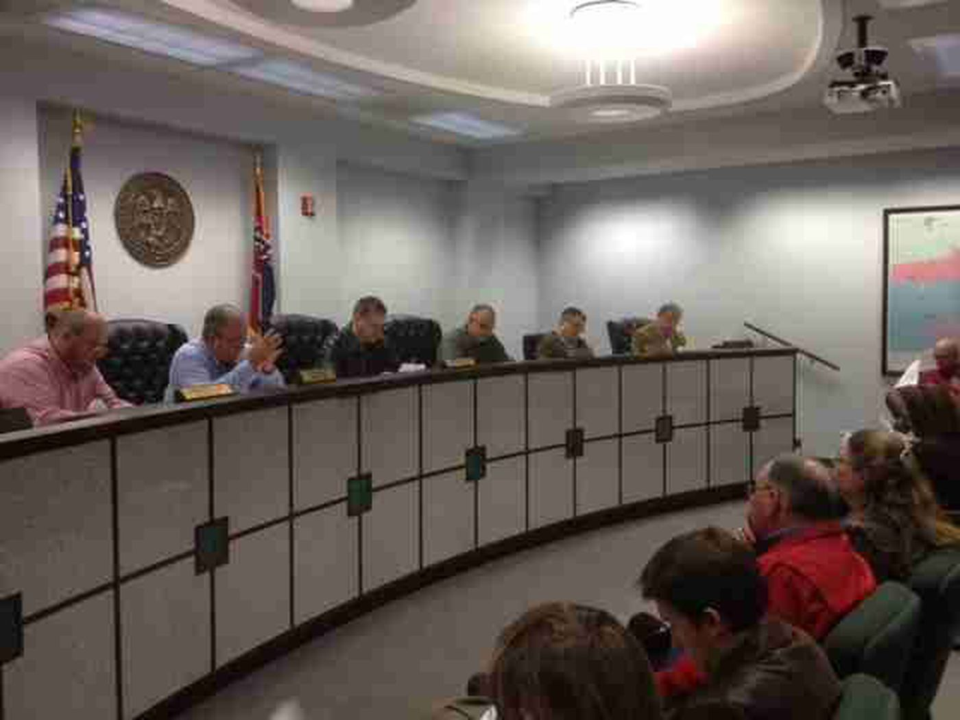 Lamar County Board of Supervisors backs local animal shelter