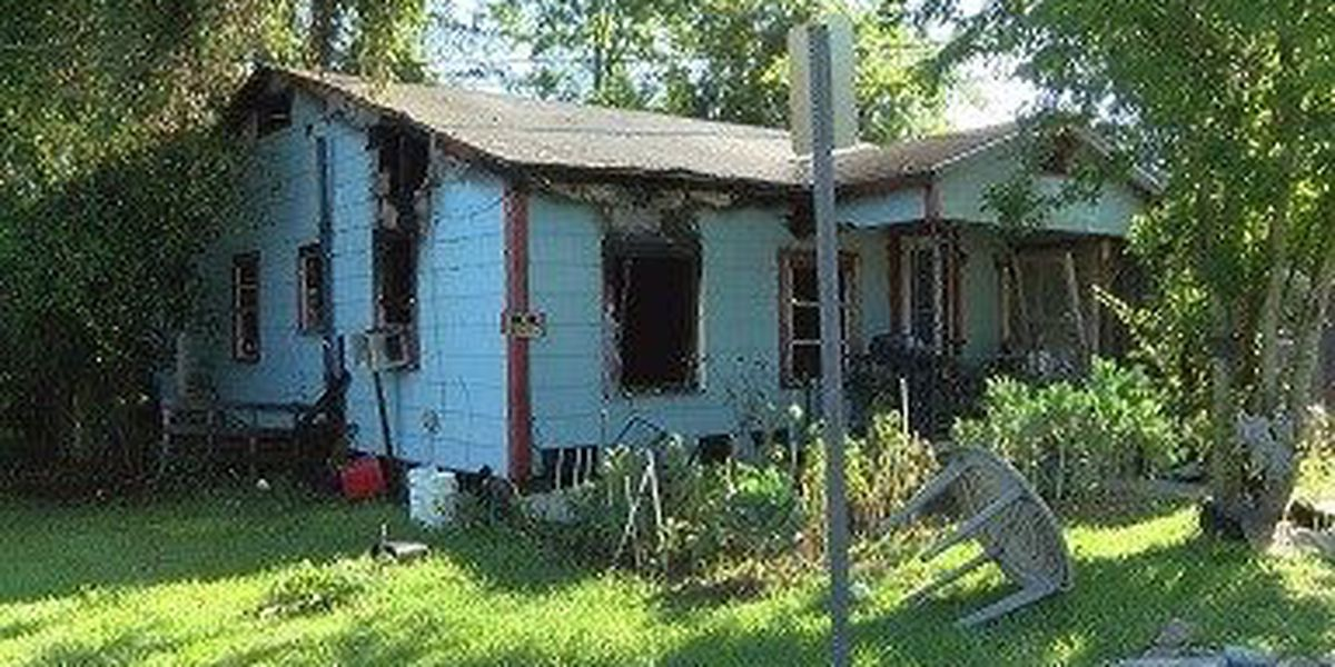 Quick response by HFD limits fire damage to east Hub City home