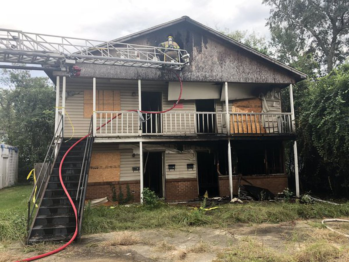 Officials investigating building fire in Hattiesburg