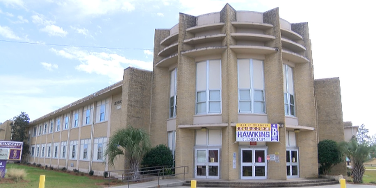 Hattiesburg officials speak on Hawkins Elementary receiving grant