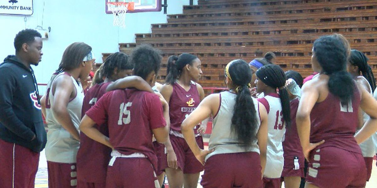Jones Women's basketball opens season with high expectations