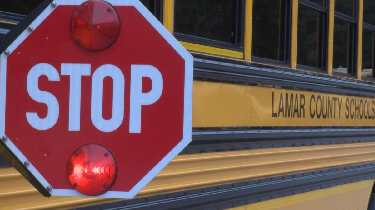 Lamar County School District searching for bus drivers