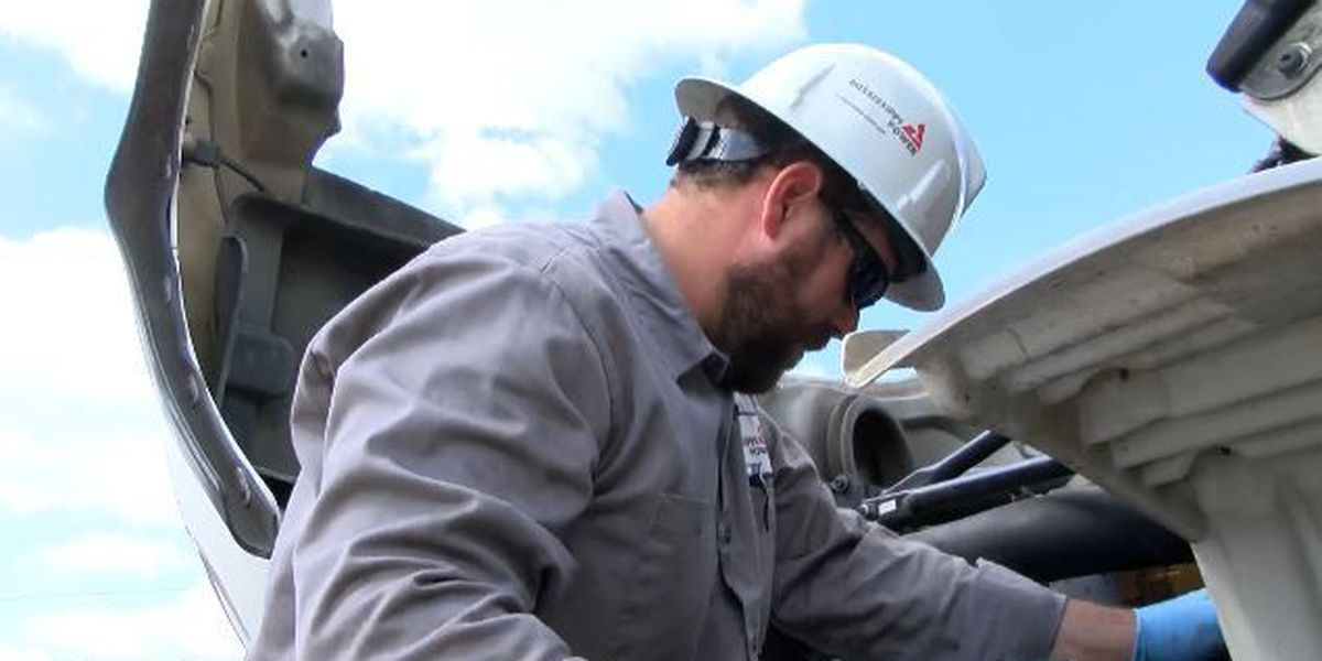 MS electric companies head east to assist in Hurricane Matthew restoration