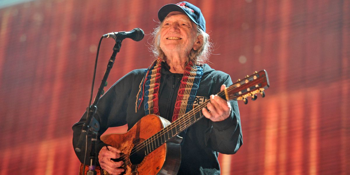 Free online concert: Willie Nelson, Paul Simon, others perform Thursday night