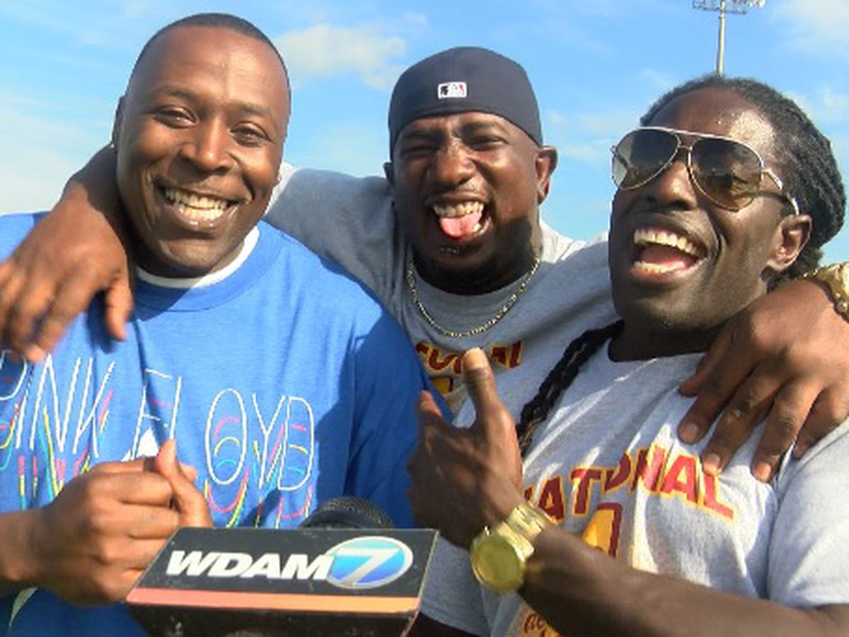 Deion Branch joins 1998 Jones County team in 20th anniversary celebration