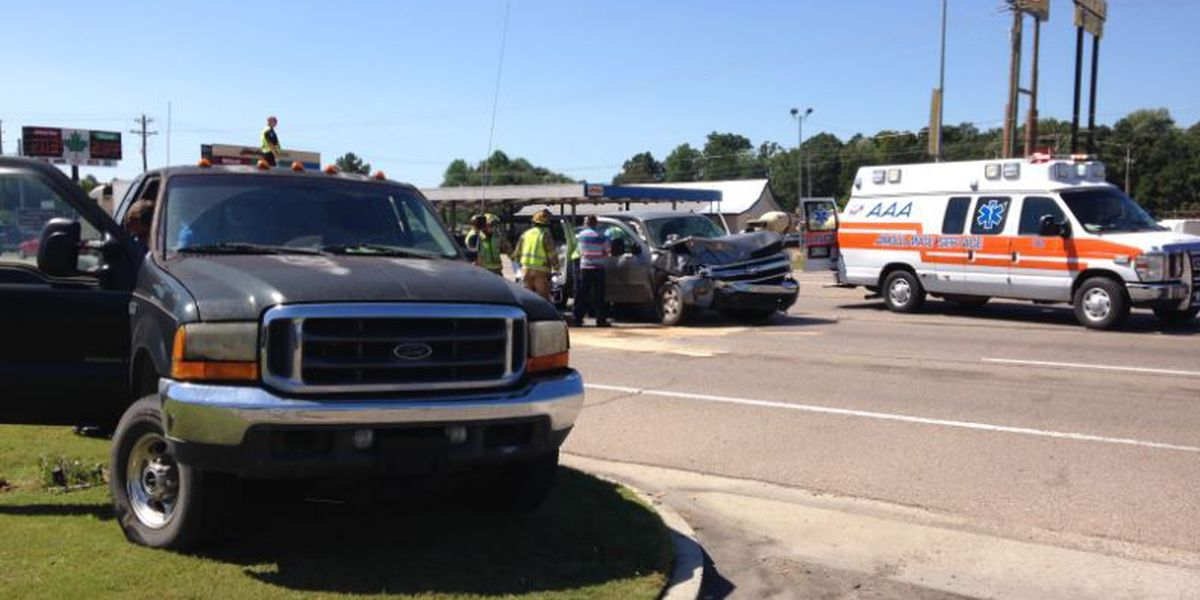 TRAFFIC ALERT: Accident stalls traffic at Hwy 49 and Classic Drive