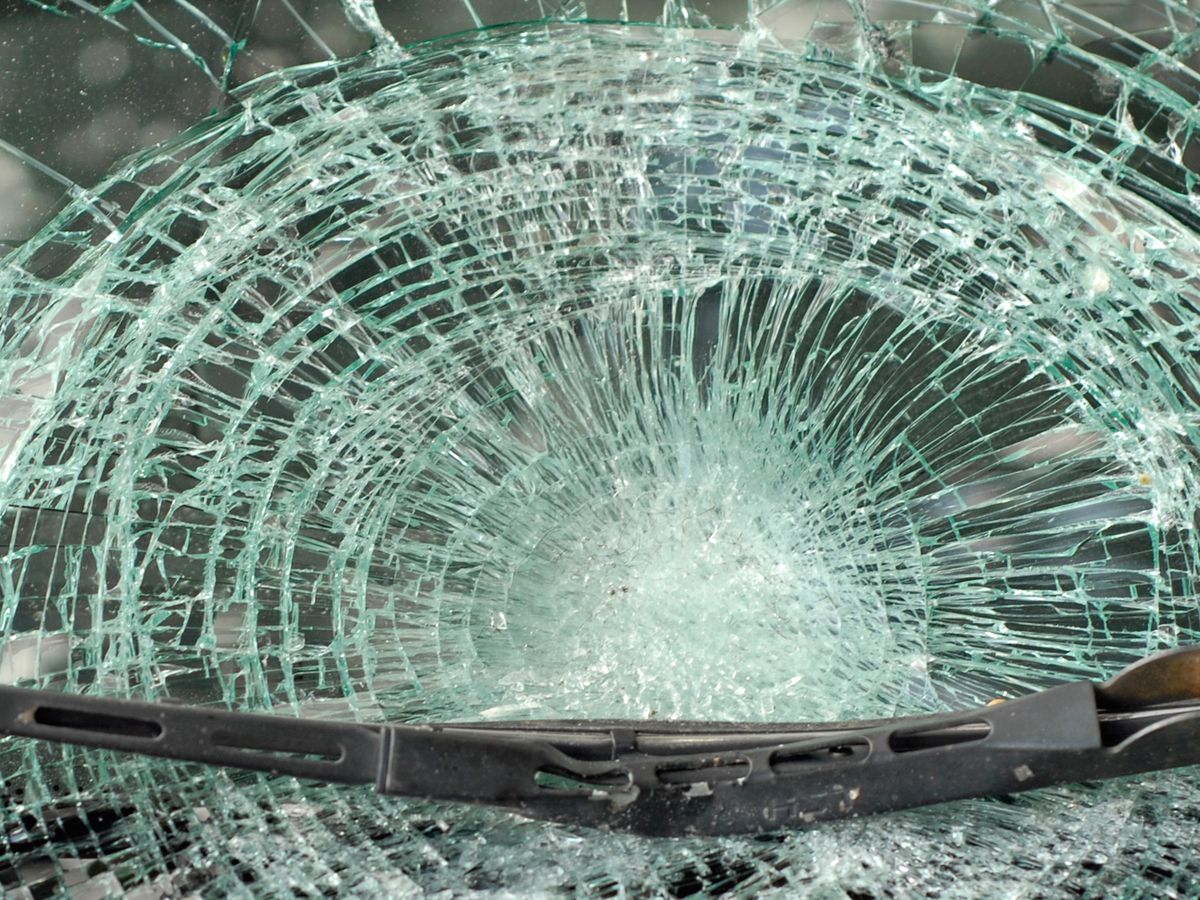 Woman killed, infant injured in Wayne County crash