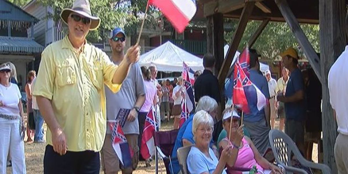 State flag debate surfaces at Neshoba County Fair